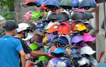 Mũ bảo hiểm vỉa hè: Đuổi thì… chạy!