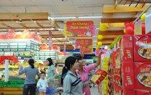 Bánh kẹo Tết khuyến mãi liên tục tại siêu thị