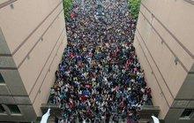 Hơn 2.300 người cùng nộp đơn giành 1 chỗ làm