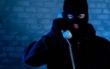 Mất hơn 2,2 tỉ đồng sau cuộc điện thoại hù dọa