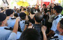Trung Quốc khoét sâu chia rẽ với Hồng Kông