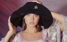 Ngắm Angelina Jolie ngây thơ tuổi 15