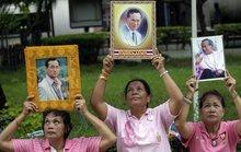 Thái Lan: Hoàng gia tập trung tại bệnh viện, thủ tướng hủy công du