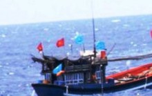 Đánh cá, vớt được thi thể không đầu trôi trên biển
