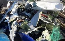 Ngư dân vớt được ví và nhiều mảnh vỡ nghi của CASA-212