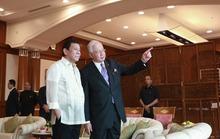 Tổng thống Duterte hát karaoke với thủ tướng Malaysia