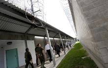 Nhân viên ngoại giao đến trại giam Minh Béo
