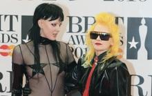 Những trang phục vừa quái vừa xấu tại Brit Awards