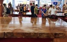 Phản gỗ 'hoàng gia' lớn nhất Việt Nam giá 3,5 tỉ