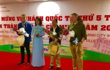 TP HCM đón khách quốc tế thứ 5 triệu