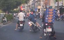Nhờ camera, tóm gọn đôi nam nữ giật điện thoại trên đường
