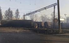 Tàu hỏa trật bánh và phát nổ, 28 người thương vong
