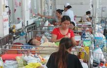 Các bệnh viện nhi đang quá tải trầm trọng
