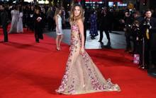 Người đẹp Anh lộng lẫy trên thảm đỏ với đầm hoa