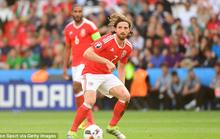 Liverpool bán người hùng Euro