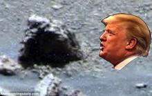 Ông Trump được người ngoài hành tinh giúp?