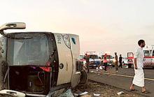 Xe buýt lật, 19 người chết