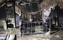 Sạc iPhone qua đêm, phòng ngủ thiếu nữ cháy tan hoang