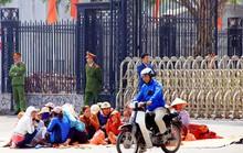 Khởi tố vụ vây UBND tỉnh yêu cầu trả biển Sầm Sơn