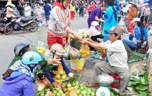 Chợ quê ngày giáp Tết