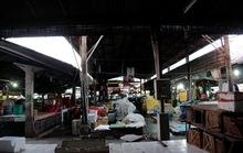 Tiểu thương bỏ chợ ra… đường