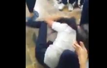 Nữ sinh bị đánh hội đồng trong khuôn viên trường