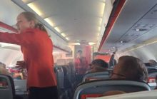 Khói xộc vào cabin, phi công tắt 1 động cơ, hạ cánh khẩn cấp