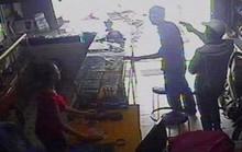 Truy tìm 2 kẻ táo tợn dùng súng cướp cửa hàng ĐTDĐ