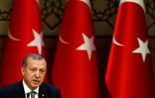 """Tổng thống Erdogan tha những người """"nhục mạ"""" mình"""