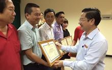 Chủ tịch TP Cần Thơ tặng bằng khen cho Báo Người Lao Động