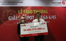 Người phụ nữ ở Vĩnh Long nhận 55 tỉ đồng tiền trúng số