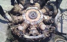 Ngư dân vớt khối kim loại nặng 2 tấn nghi động cơ máy bay