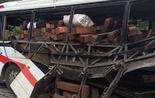 Nổ xe khách thảm khốc tại Lào, 9 người Việt thiệt mạng