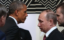 Cái bắt tay lạnh chưa từng thấy của hai ông Obama và Putin