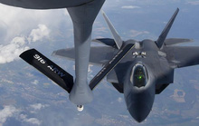 Phi công F-22 của Mỹ ở biển Đen gởi thông điệp tới TT Putin