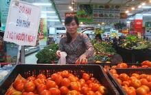 Siêu thị treo bảng 'hạn chế' khách mua cà chua