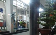 Đám đông xông vào bệnh viện chém gục hai người