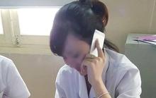 """Dừng ký hợp đồng với nhân viên bệnh viện """"buôn"""" điện thoại"""