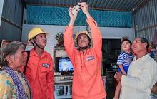 Hàng trăm ngàn hộ dân Khmer được cấp điện
