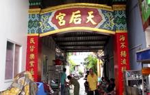 TP HCM: Một người bị đâm gục trước sân chùa