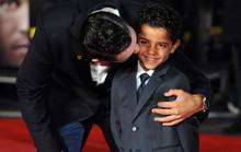 Ronaldo thường xuyên bị con trai chê chậm hơn Bale