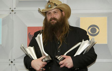 Ca sĩ Chris Stapleton thắng lớn giải thưởng âm nhạc