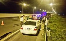 Điên cuồng chạy ô tô ngược chiều, tông CSGT bị thương