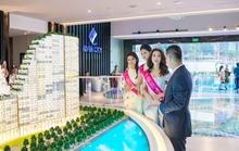 Tân Hoa hậu Đỗ Mỹ Linh đi xem nhà mới