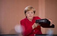 """""""Quả bom hẹn giờ"""" trong ngân hàng Đức"""
