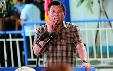 """Tổng thống Philippines treo thưởng """"khủng bắt cảnh sát nhúng chàm"""