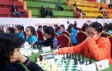 Các kỳ thủ nhí Việt giành mưa HCV châu lục