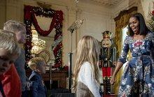 Bà Clinton xuất hiện trong giáng sinh Nhà Trắng