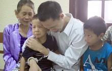 Nước mắt người cha mang án tử bên 2 con thơ dại