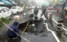"""Nha Trang xuất hiện hố """"tử thần"""" giữa đường chính"""